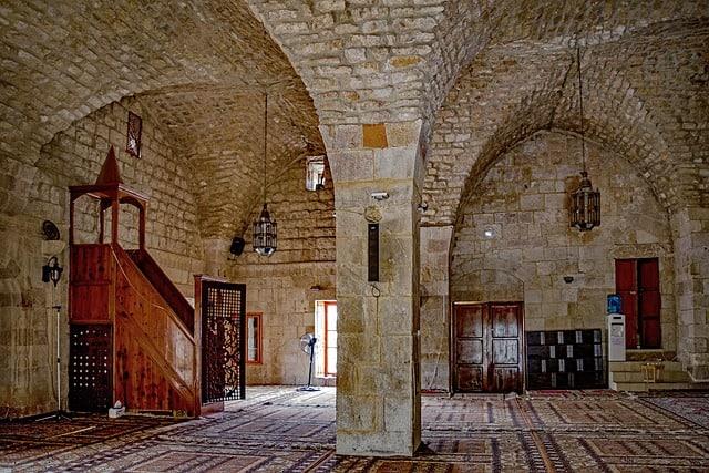 ilustrasi mimbar masjid